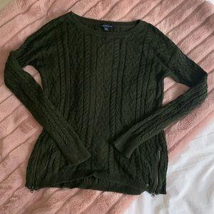 CLOSING AEO crew sweater size m